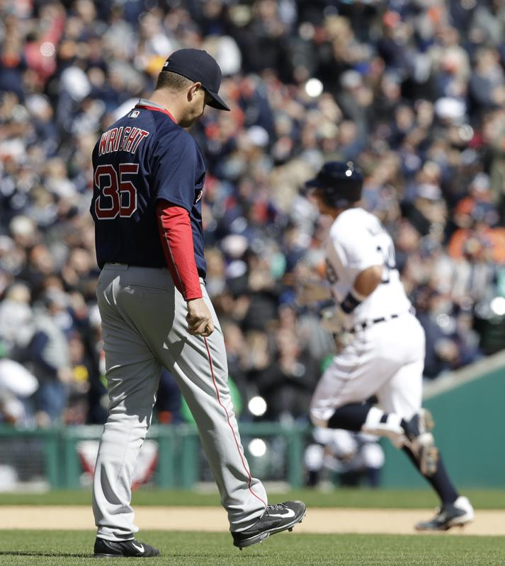 RECAP: Red Sox pick up first loss in series opener inDetroit