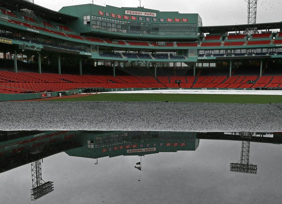 #RedSox and Yankees series opener gets rained out. Will play double-header on July 16th.