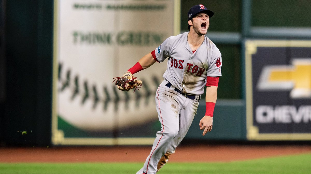 RECAP: Andrew Benintendi Makes Game-Saving Catch in Ninth Inning as #RedSox Jump up 3-1 on Astros in ALCS.