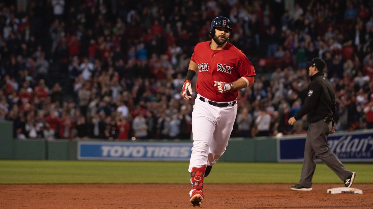 #RedSox Homer Three Times in 14-1 Rout over Mariners to Improve to 20-19 on Season