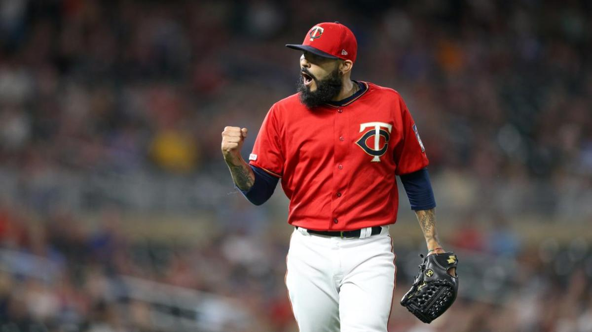 Potential Red Sox Target Sergio Romo Goes Back to Twins on One-YearDeal