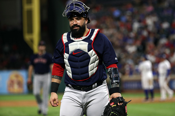 Red Sox Trade Sandy Leon to Cleveland Indians