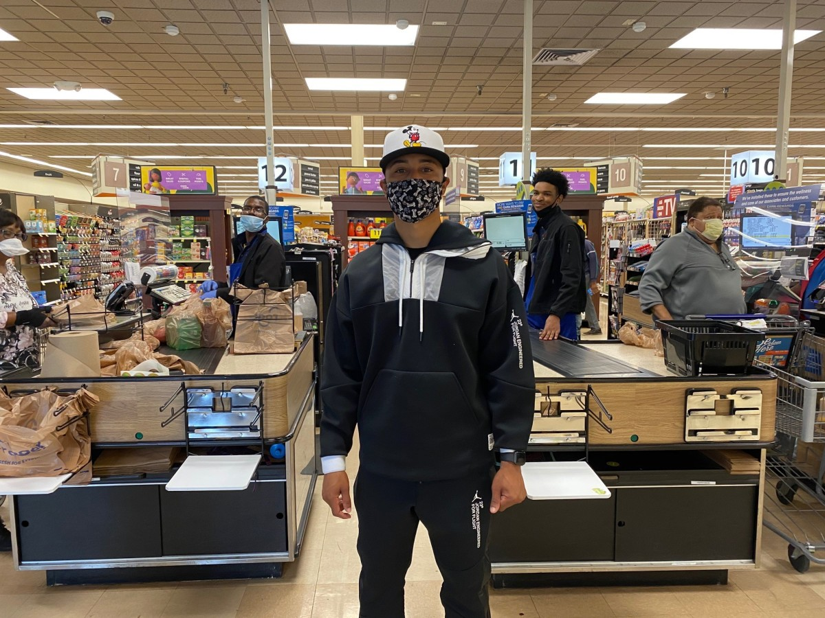 Former Red Sox Star Mookie Betts Buys Groceries for Shoppers at Tennessee Supermarket