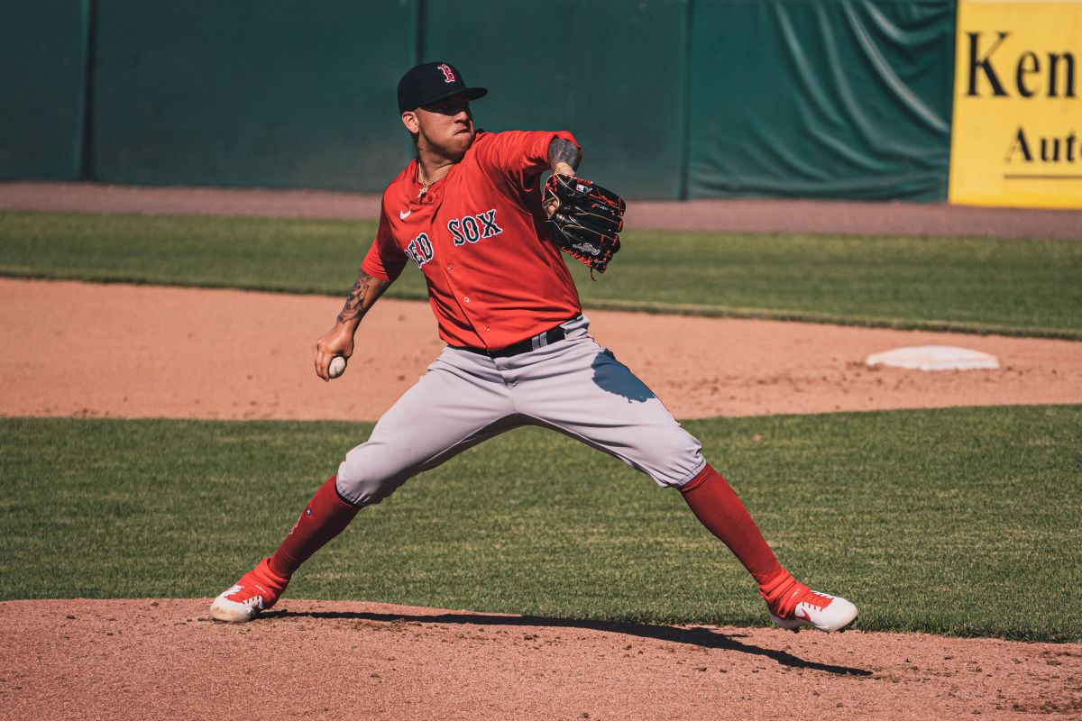 Red Sox add top pitching prospect Bryan Mata, 6 others to 40-man roster ahead of Rule 5 Draft