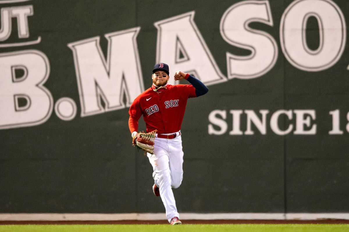 Red Sox' Alex Verdugo picks up third outfield assist of season in win over Mariners: 'That throw was amazing,' Alex Corasays