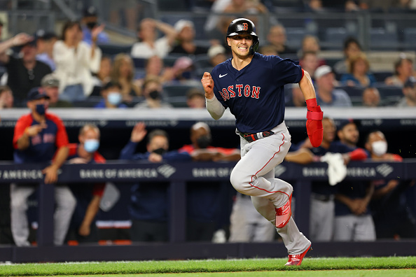 Kiké Hernández delivers with go-ahead RBI double, Bobby Dalbec crushes 453-foot homer as Red Sox come back to take series from Yankees with 7-3win