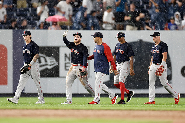 Red Sox' rain-shortened 3-1 loss to Yankees overshadowed by fan throwing baseball at AlexVerdugo