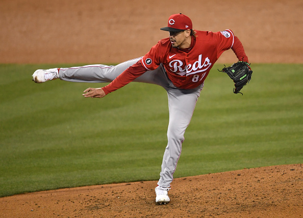 Red Sox sign former Reds right-hander José De León to minor-leaguedeal