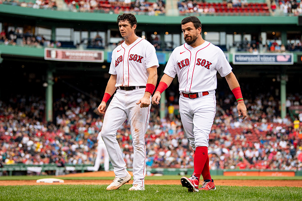 Red Sox struggle with runners in scoring position, come up short, 11-5, in series finale againstIndians