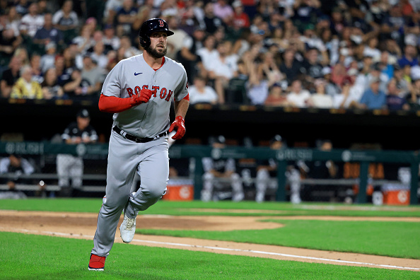 Travis Shaw delivers with 3-run homer, game-winning hit as Red Sox battle back to defeat White Sox, 9-8, inextras